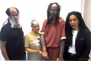 USA_Mumia6avrilgroup