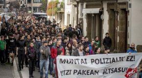 Manifestation à Iruñea en solidarité avec les jeunes d'Altsasu